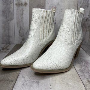 NWT Seven White Eve Boot Size 10
